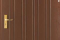 Tömör bejárati ajtó