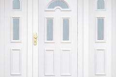 bejárati ajtók oldalvilágítóval